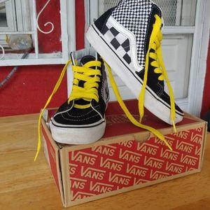 Vans Unisex high top sneaker.